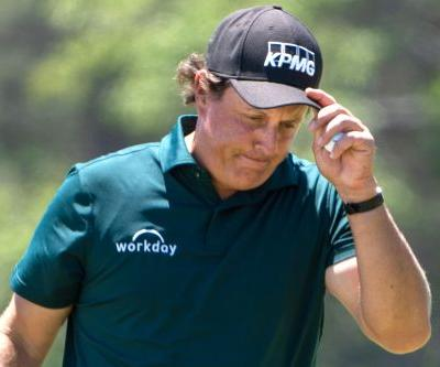 Phil Mickelson loses it and Twitter explodes