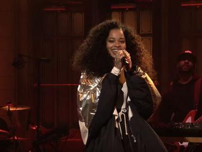 Watch Ella Mai Make Her SNL Debut