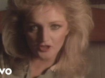 Bonnie Tyler - 'Holding Out For A Hero'