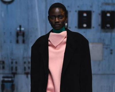 Raf Simons Offers Easy, Contradictory Elegance for Fall 2021