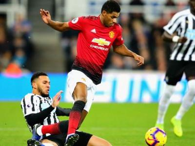 Manchester United targeted Lascelles before Mourinho sacking - sources
