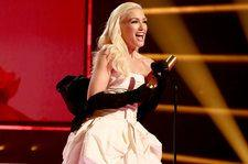 People's Choice Awards: Gwen Stefani Pays Tribute to Mom, Grandmother in Fashion Icon Speech