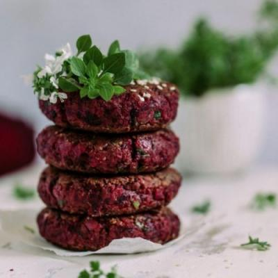 Chickpea and beet burgers