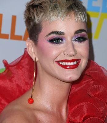 Katy Perry Does Her Makeup For Herself, Not a Man, Thank You Very Much