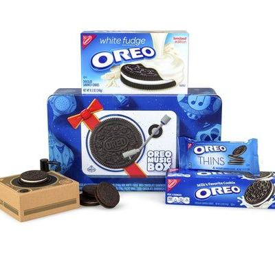 The Oreo Music Box On Amazon Is The Perfect Holiday Gift For Every Cookie Lover