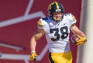 Lions select Iowa tight end T.J. Hockenson with No. 8 pick
