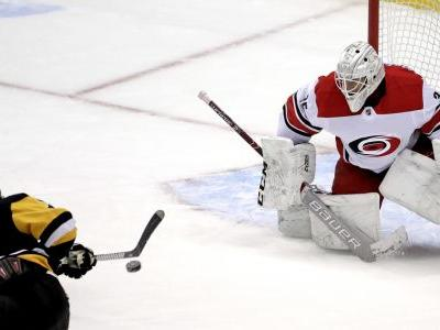 Penguins inch closer to playoff spot, top Hurricanes 3-1