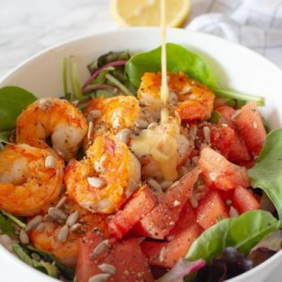 MIXED GREENS, FRIED GARLIC PRAWNS