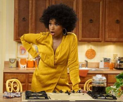Jennifer Hudson's rendition of 'The Jeffersons' theme song is MovinOnUp