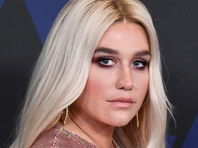 Fresh Start - Literally! Kesha Lets Her 'Freckles Live' In A Barefaced Selfie