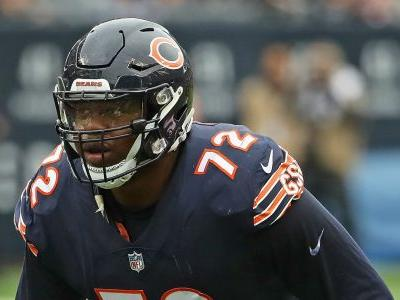 Charles Leno Jr. proposes to girlfriend after Bears clinch division title
