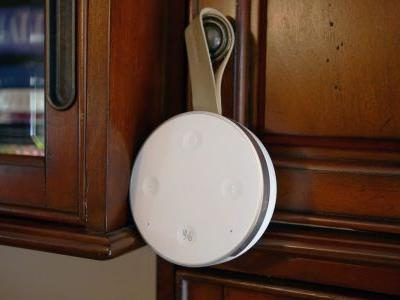 Review: The Mobvoi TicHome Mini is a portable, flexible Google Home Mini for twice the price