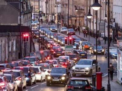 UK Government Wants Noise Detection Systems to Target Old Cars and 'Boy Racers'