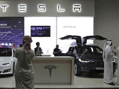 Report: Saudi Arabia is looking to invest big in Tesla as the company teases going private