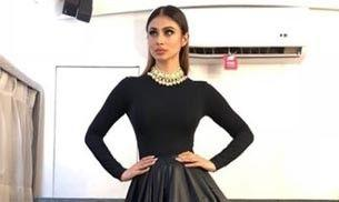 Mouni Roy looks like a beautiful witch in this black outfit