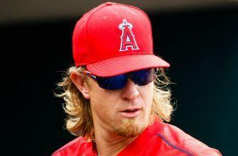 Jered Weaver announces his deal with the Padres by toasting Ron Burgundy