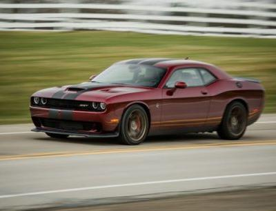 2017 Dodge Challenger SRT 392 and SRT Hellcat In-Depth Review: Lord of the Horsepower War