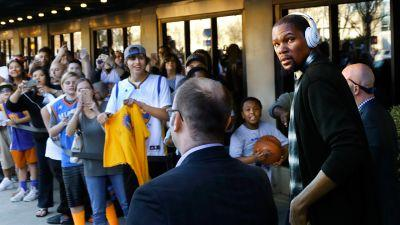 Oklahoma City Thunder fans fired up for Kevin Durant's return