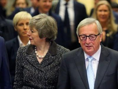 Theresa May to renegotiate Brexit deal after MPs vote for Irish backstop to be ripped up