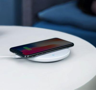 This wireless charger works with thicker phone cases - and it costs a fraction of the price its competitors demand