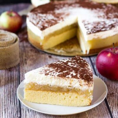 Apple Cream Cheese Cake