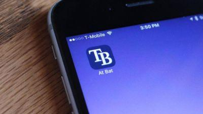 MLB At Bat and NHL are first to launch personalized app icons on iOS 10.3