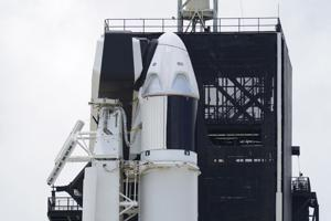 2 astronauts arrive at launch pad for historic SpaceX flight