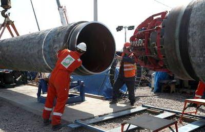 Boom Bust looks into why Germany will have to pay Ukraine for non-existent gas transit