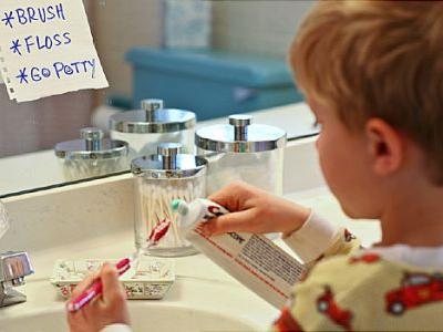 Too Many Kids Using Too Much Toothpaste, CDC Says