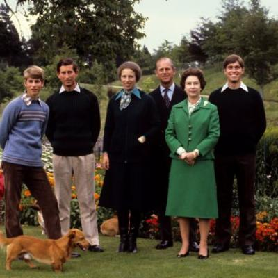 29 of the best royal family Christmas cards through the years