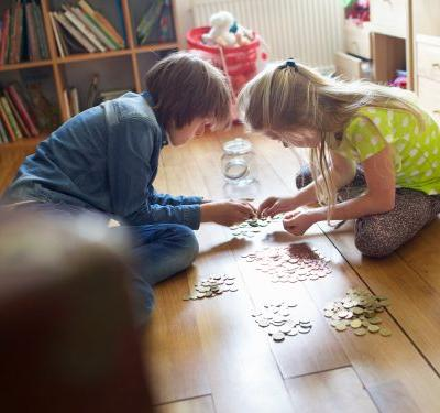 7 signs your kids are actually learning about money