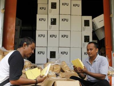 Indonesia to probe warehouse of voting papers in Malaysia