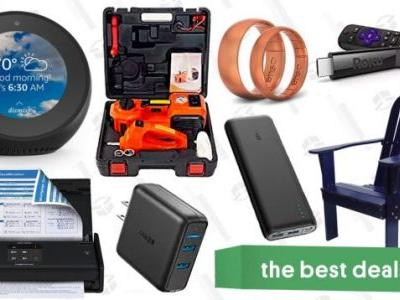 Monday's Best Deals: Anker Charging Gear, Roku, Silicone Rings, and More
