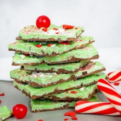 Grinch Peppermint Bark