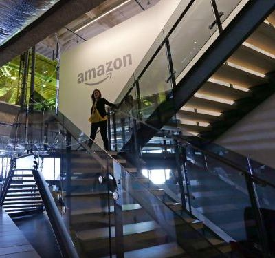 An Amazon recruiter says she doesn't expect new grads to be business majors, but there's a line on their résumés that makes them stand out