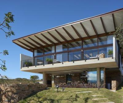 House in Serra do Cipó / TETRO Arquitetura