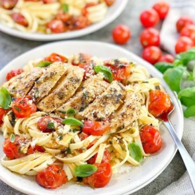 Cherry Tomato Chicken Pasta