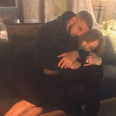 Jennifer Lopez Denies Dating Drake, Even Though She Posted That Snuggly Pic