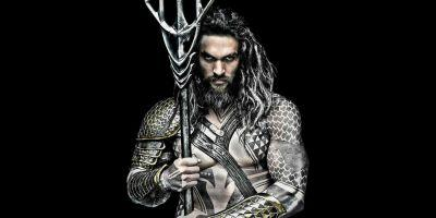 Aquaman: Jason Momoa Shows Off Trident in Training Photo