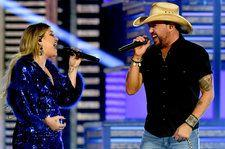 Jason Aldean Duets With Kelly Clarkson, Performs Medley Of Hits at 2019 ACM Awards
