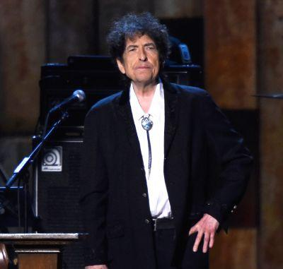 Bob Dylan To Pick Up His Nobel Prize This Weekend, Avoid Stockholm Lecture