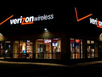 Report: AT&T and Verizon have been working together to screw you