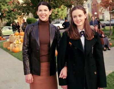 These 'Gilmore Girls' Thanksgiving Quotes For Instagram Captions Are So Festive