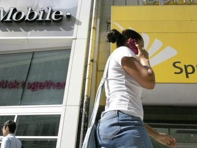 T-Mobile and Sprint to file deal application to FCC as early as Monday