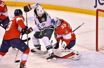 Aleksander Barkov sets franchise record with 5 assists in Panthers' 6-2 win over Wild