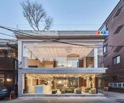 Furniture Showroom and Café / Architects H2L