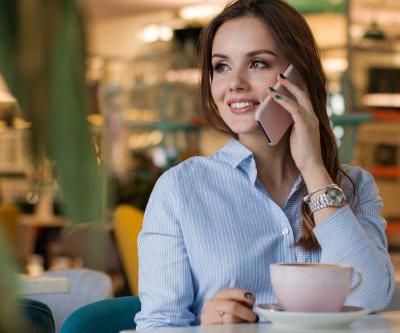 Professional Voicemail Greetings: 7 Way to Make Callers Feel Like a Person, Not a Caller