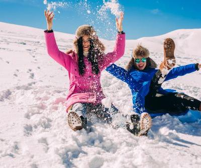 15 Unique Things To Do With Your Sister In The Winter Before All The Snow Melts