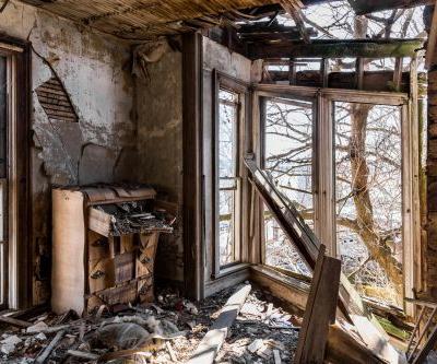 'Secrets behind spaces': 12 chilling photographs of abandoned places in Illinois and their history