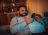 Spending five hours or more on a smartphone raises obesity risk by 43%